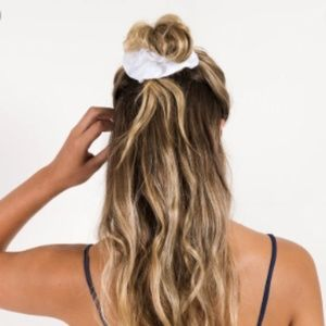 'Silky' White Hair Scrunchie Set